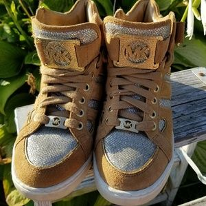 Michael Kors Hi Top Suede Leather silver sneaker